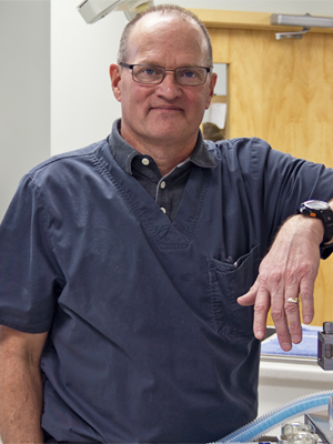 Dr Dennis Riordan
